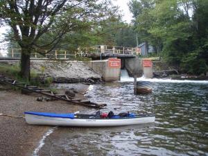 totem blaze canoe near damn